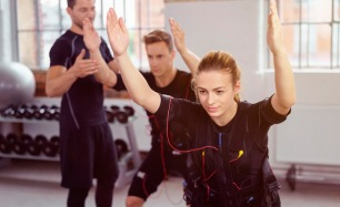 ЭМС-тренировки на немецком тренажере Miha Bodytec в студии SprintFit: до 40 тренировок! Скидка до 62%